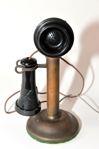 Candlestick-Telephone-photo-by-Kendall-Whitehouse-400x600