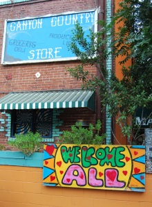 Canyon Country Store: Welcome All