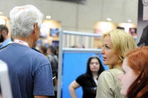 Gillian-Anderson-and-Chris-Carter-SDCC2013-480x320-photo-by-Kendall-Whitehouse