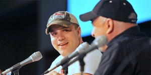 SDCC-2015-Geoff-Johns-and-Dan-DiDio-photo-by-Kendall-Whitehouse-480x240
