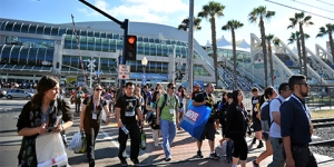 SDCC-2015-Heading-Home-photo-by-Kendall-Whitehouse-480x240