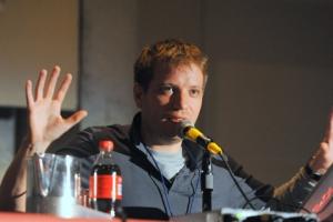 Gareth-Edwards-NYCC-2010-photo-by-Kendall-Whitehouse-480x320