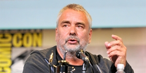 Luc-Besson-SDCC-2016-photo-by-Kendall-Whitehouse-480x240