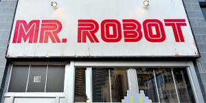 Mr-Robot-Repair-Shop-SDCC-2016-photo-by-Kendall-Whitehouse-480x240