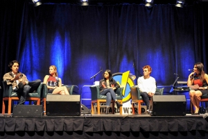 Riverdale-Cast-WizardWorldPHL-2017-photo-by-Kendall-Whitehouse-600x400