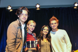 Riverdale-WizardWorldPHL-2017-photo-by-Kendall-Whitehouse-600x400