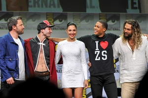 Justice-League-SDCC-2017-photo-by-Kendall-Whitehouse-600x400