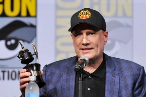 Kevin-Feige-Inkpot-Award-SDCC-2017-photo-by-Kendall-Whitehouse-600x400.jpg