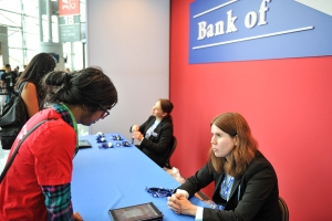 Bank-of-E-Sign-Up-NYCC-2017-photo-by-Kendall-Whitehouse-600x400