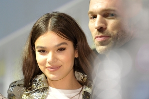 Hailee-Steinfeld-Travis-Knight-SDCC-2018-photo-by-Kendall-Whitehouse-750x500