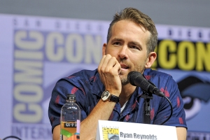 Ryan-Reynolds-SDCC-2018-photo-by-Kendall-Whitehouse-750x500.jpg
