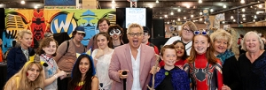 Kato Kaelin and fans at Wizard World Philadelphia